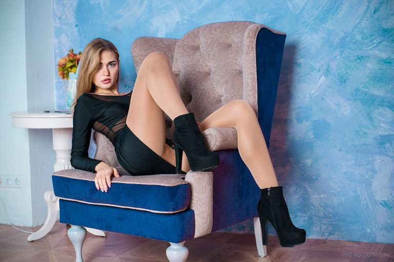 Emma in Sheer Pantyhose in magazine PRO-KOLGOTKI 2018-03(2)