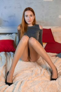 worn pantyhose of Diana - Katyusha 2018-12(2)