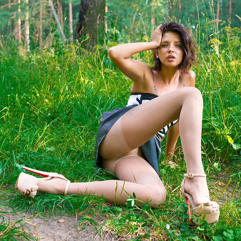 Women in pantyhose. PRO-KOLGOTKI 2017-09(2)